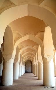 16 khamba masjid